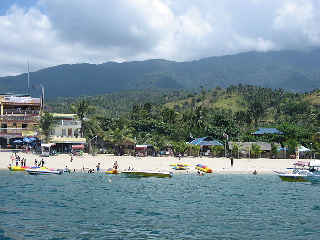 Main beach area at Puerto-Galera