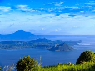 Taal volcano day tour from Tagaytay
