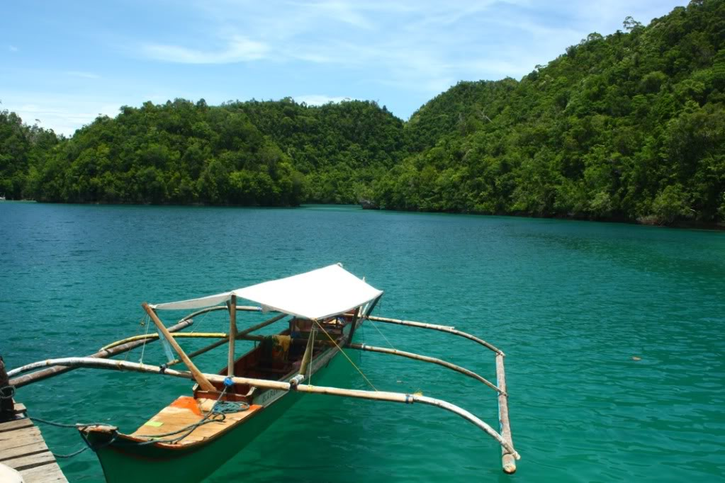 Boat off the waters of Bucas Grande