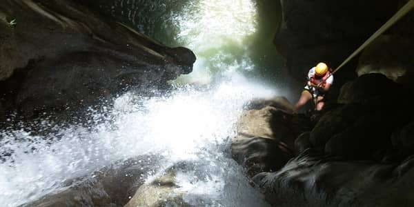 Canyoneering tour in Moalboal