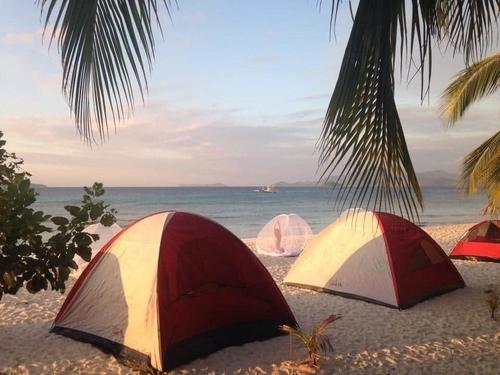 El Nido Island Hopping Camping