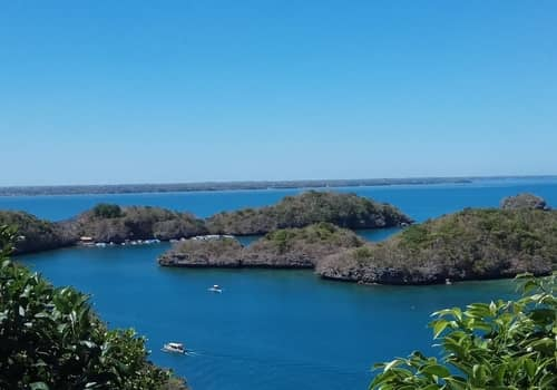 Hundred islands island hopping tour