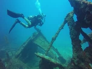 wreck diving tours