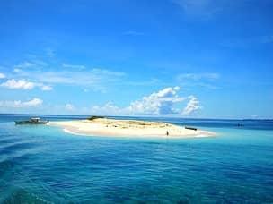 Siargao naked island beach