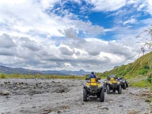 4x4 ride to mount Pinatubo